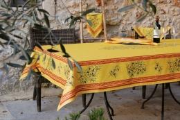 Maussane Provence-Tischdecke, ca. 200x150 cm, gelb-cotto Oliven, Baumwolle beschichtet
