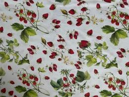 Herrlicher Stoff mit Erdbeeren, 140 cm breit, Mischgewebe
